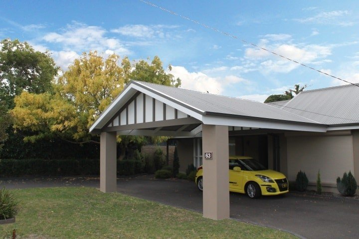 Are Timber Carports Better Than Steel, Asks Melbourne Resident